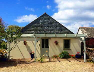 Little Molvenny Cornwall Self Catering Holiday Cottage Porthcurno
